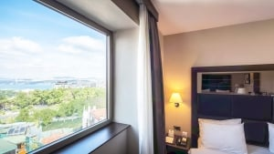 Midtown Hotel  Bosphorus Sea View Deluxe Room İnterior