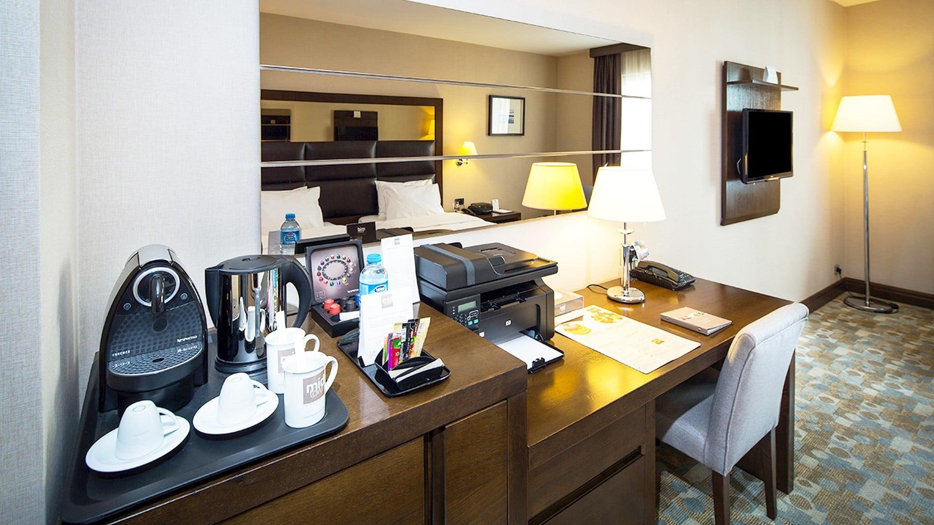 Midtown Hotel Room İnterior