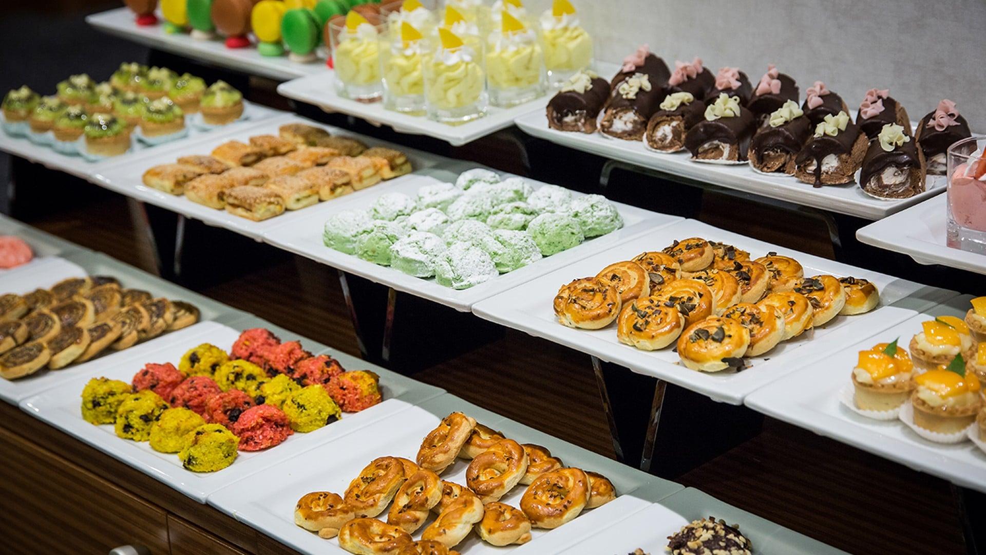 Midtown Hotel More Restaurant Buffet