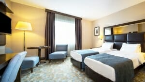 Midtown Hotel Deluxe Room İnterior