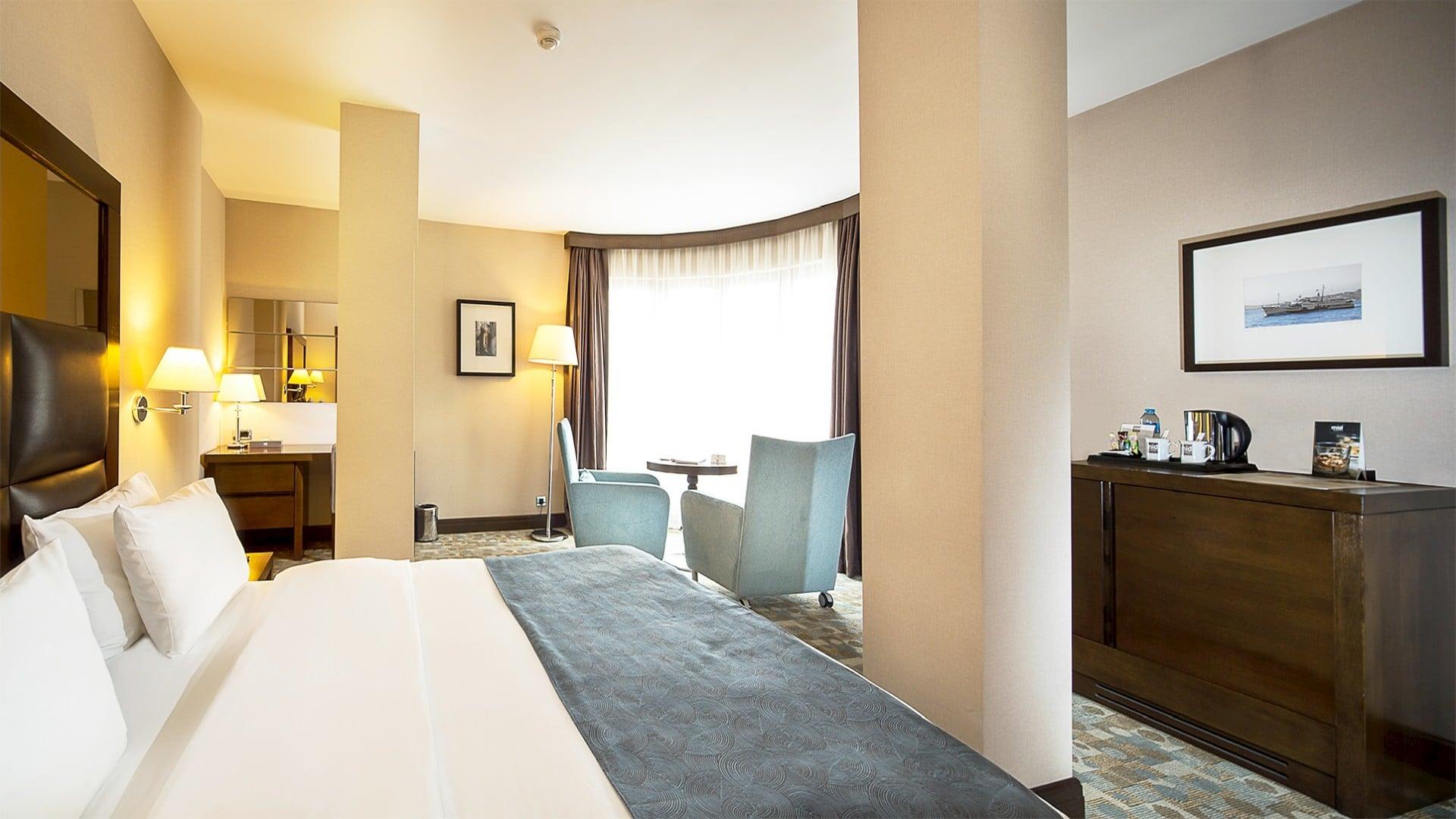 Midtown Hotel Deluxe Room İnterior