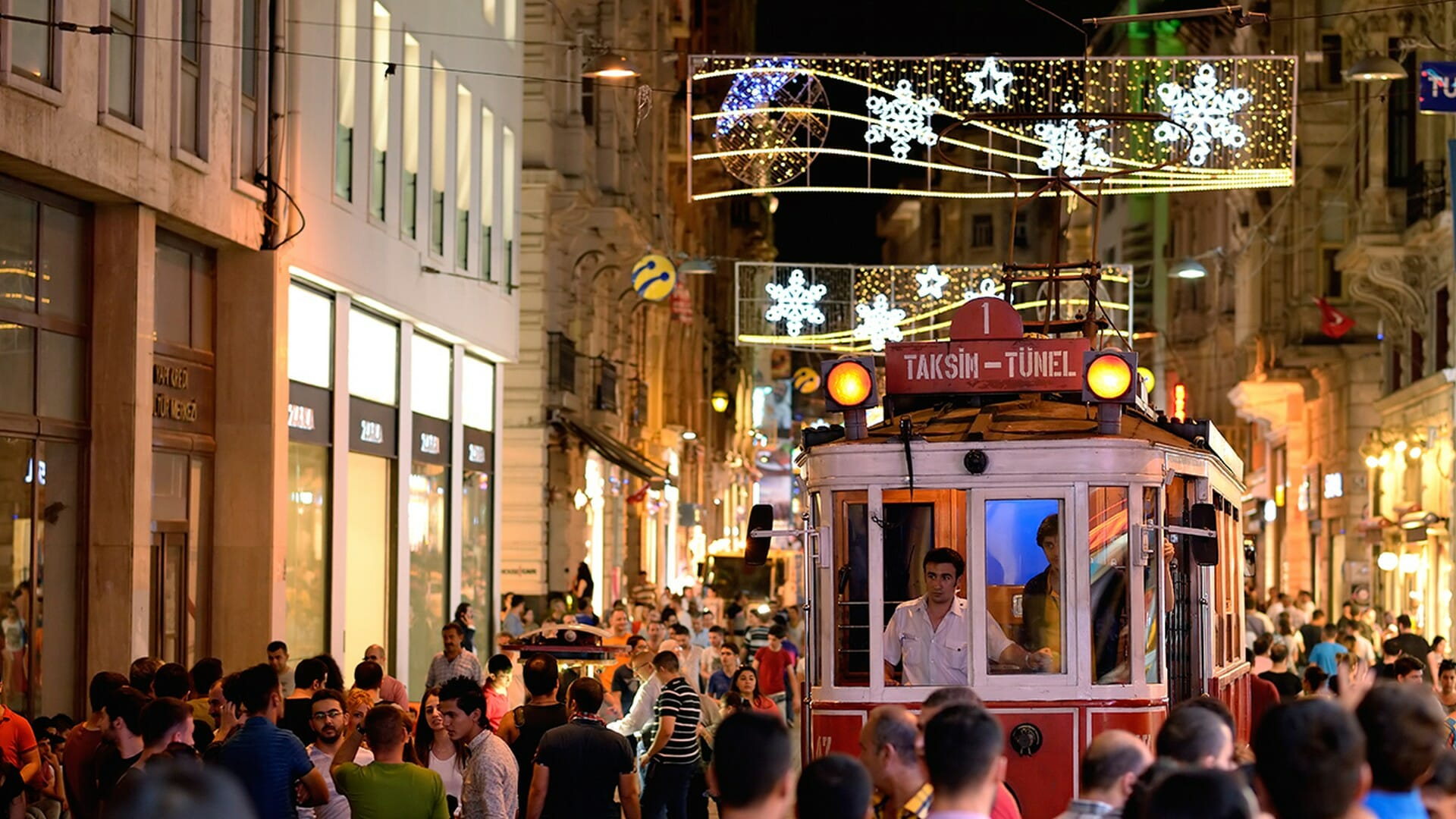Midtown Hotel Location İstiklal Avenue