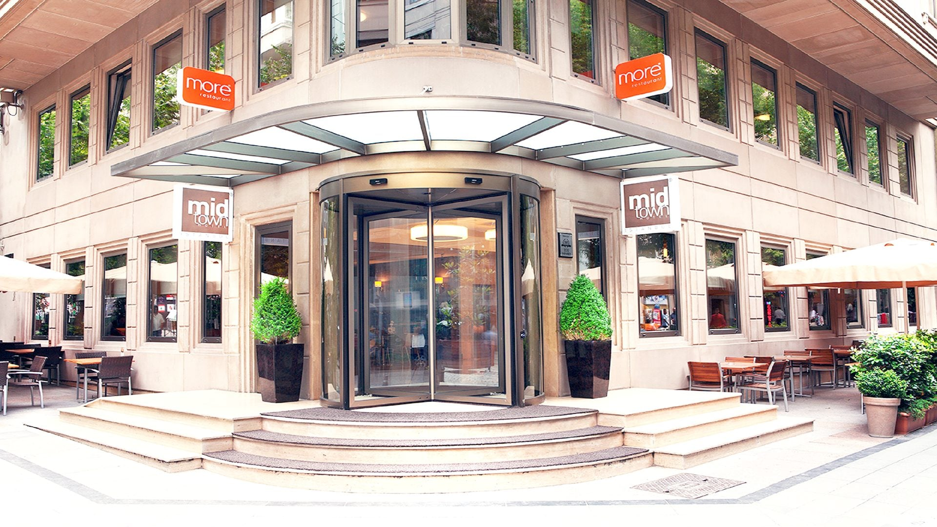 Midtown Hotel Front Door Entrance