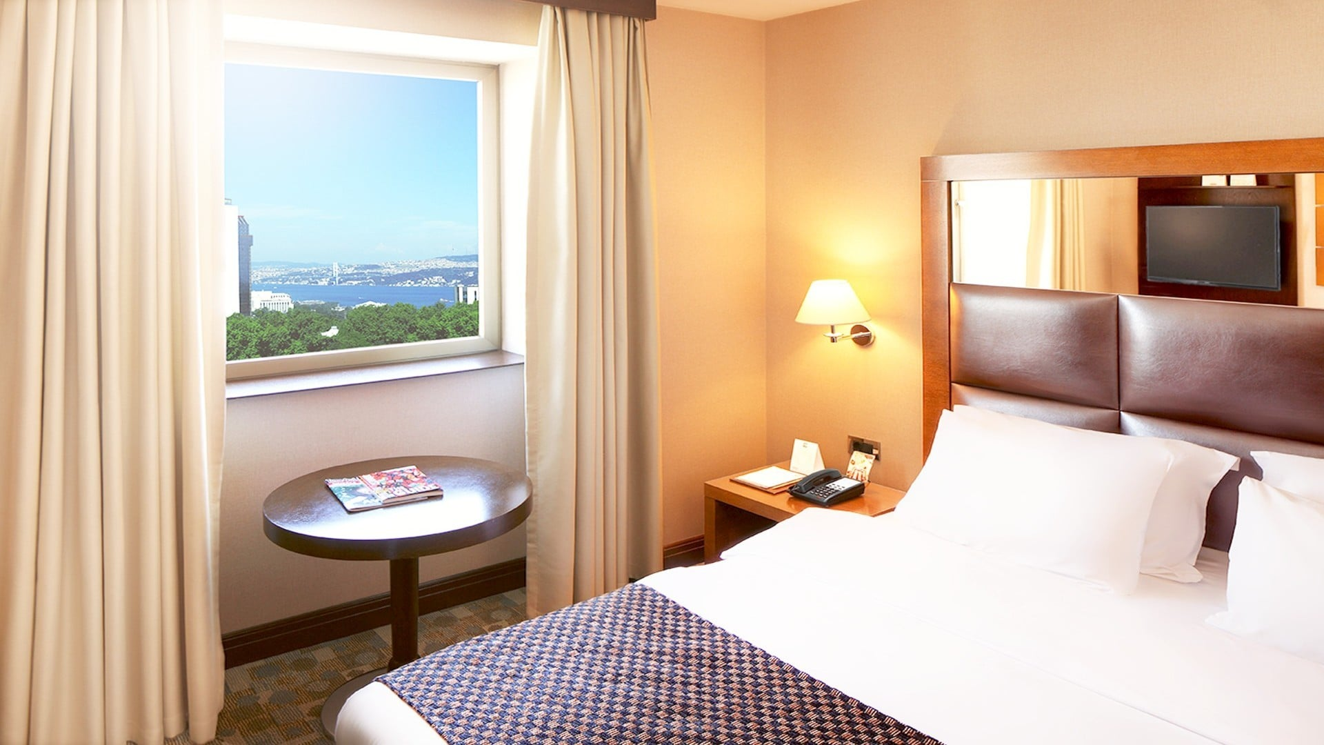 Midtown Hotel Room with sea view